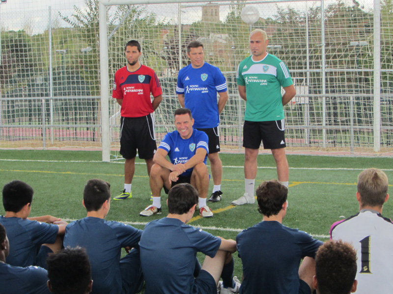 Paco Buyo, mythique gardien international du Real Madrid, visitez la modernisation de InterSoccer dans Alalpardo
