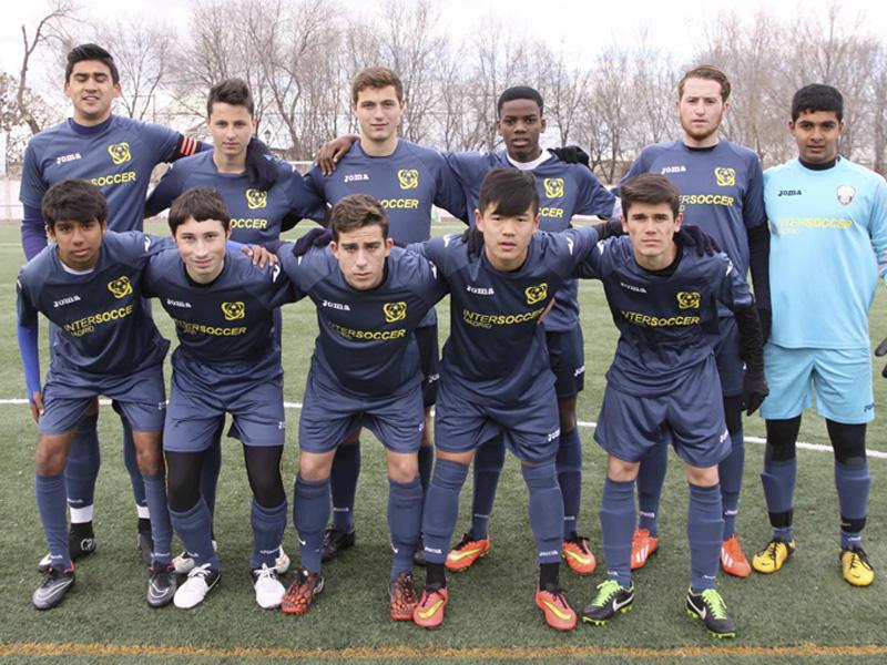 Partido amistoso de la Academia InterSoccer contra el juvenil filial del Atlético de Madrid