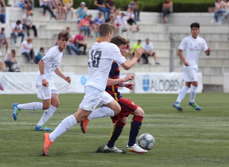 III MEMORIAL LUIS ARAGONÉS. REAL MADRID - FC BARCELONA, 1-0