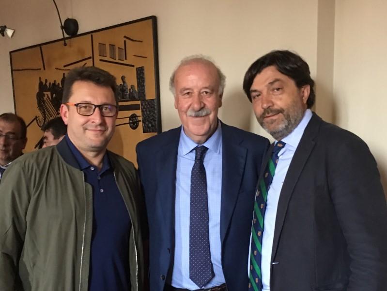 LA AC INTERSOCCER REFERENTE EN LA PRESENTACIÓN DEL III TORNEO VICENTE DEL BOSQUE DE ALALPARDO.-