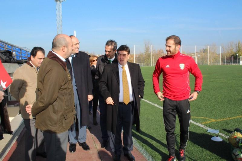 En su tecnificación de Alalpardo (Madrid), la A.C. INTERSOCCER recibe la visita del Vicepresidente de la CAM, Pedro Rollán