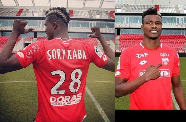 Sory Kaba, ancien élève / joueur de A.C. Intersoccer Madrid et Alcobendas Levitt CF, signe pour le Dijon Football C.O. de la Ligue 1 de France