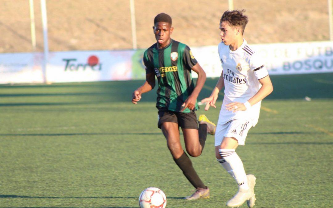 Où trouver toutes les images et vidéos du IV Tournoi de football Vicente del Bosque?