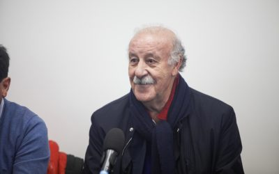 Vicente Del Bosque visita la A.C. Intersoccer Madrid